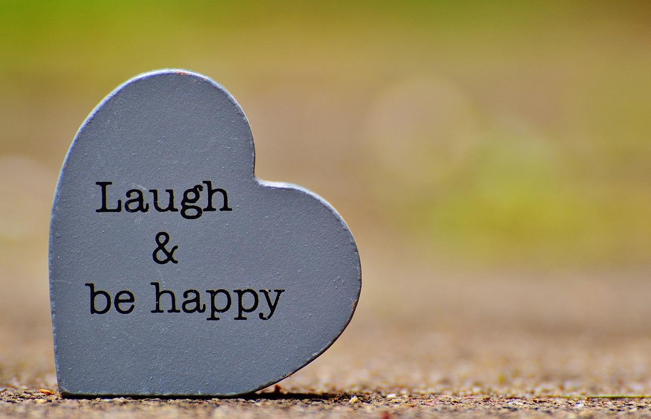 laugh-1391101_1280