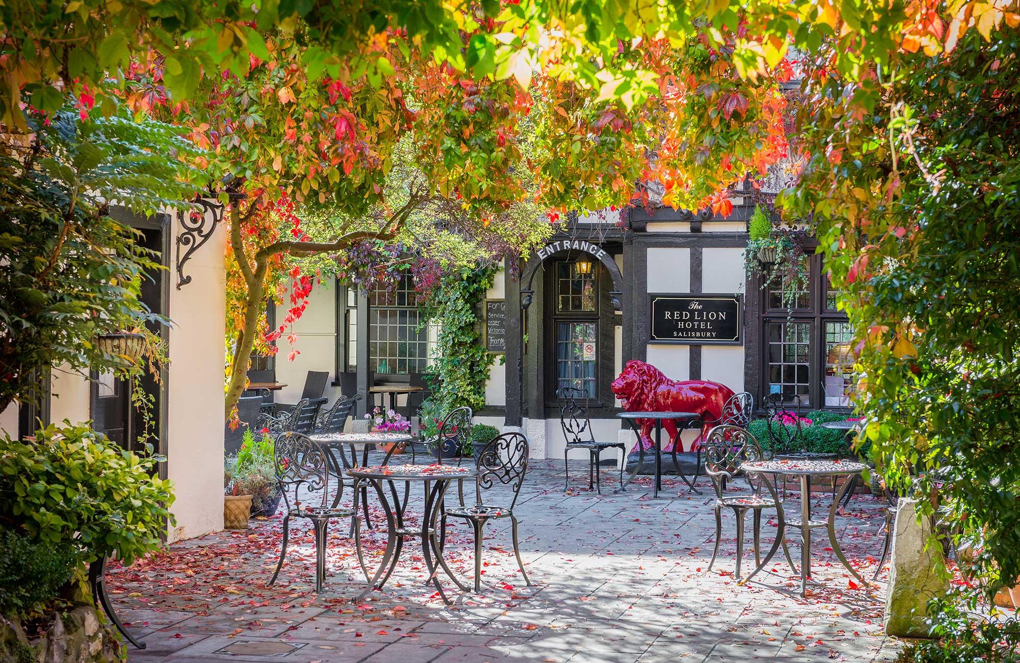 THE RED LION HOTEL SALISBURY